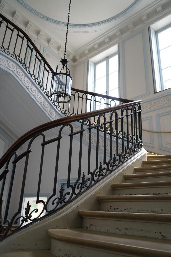 Escalier, murs repeints