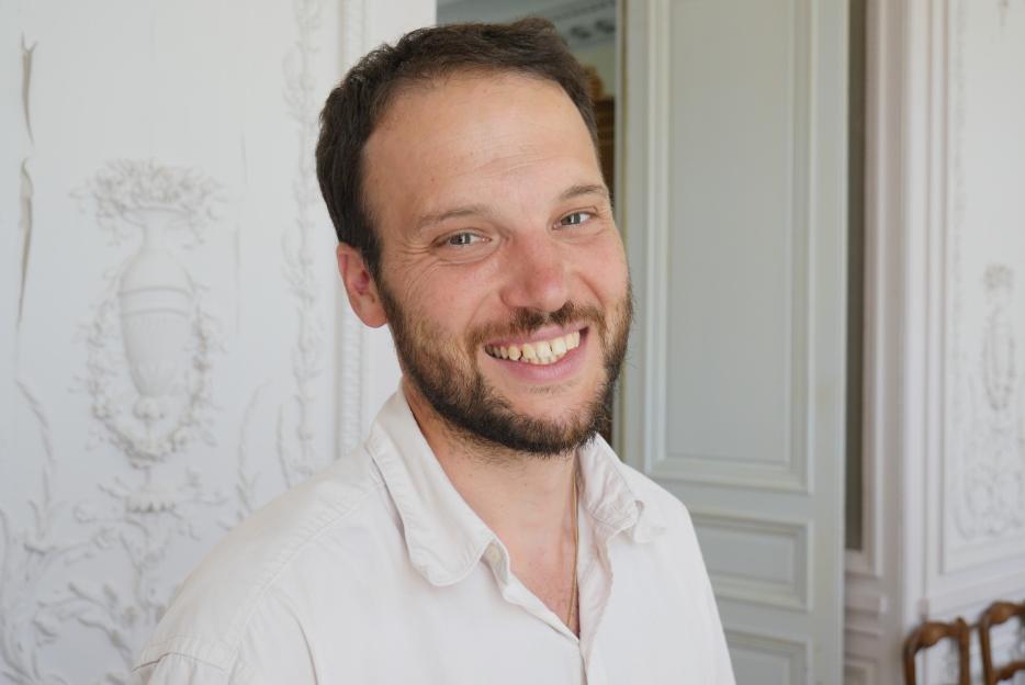 De-Bénazé-Xavier_Forgeois-Copier