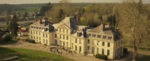 Chateau vue aerienne